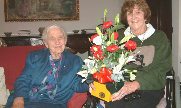 Dame Elisabeth with a BDI member